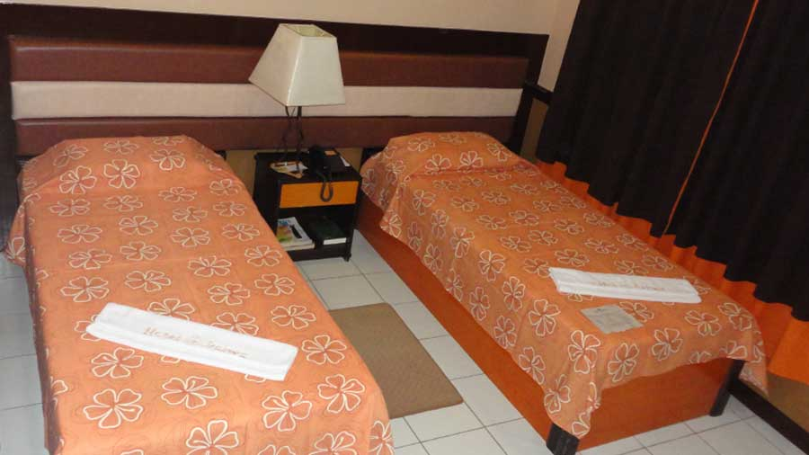 Hotel-Palwa-Dumaguete-Twin-Room