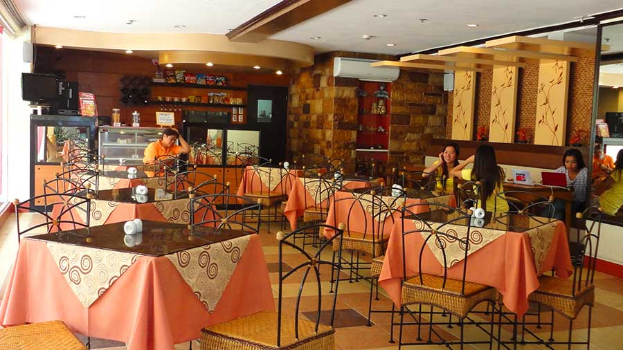 Hotel Palwa Sesyl's Restaurant and Cafe
